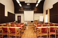 <p>Large, airy meeting room for max. 45 persons.</p>